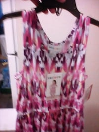 women's red and white floral sleeveless top Edmonton, T5T 3V4