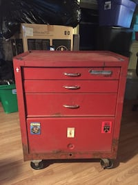 Red metal tool chest with cabinet Kingsport, 37660