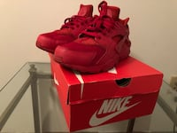 pair of red Nike Huarache shoes with box Pembroke Pines, 33025