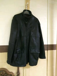 Men's Leather coat. (XL) Norfolk, 23503
