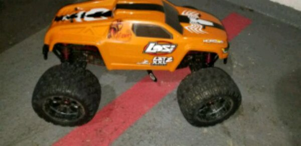 Losi xxl2e 1/8 (brushless)