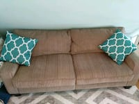 Couch (loveseat)  Stamford, 06901