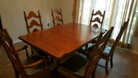 Dining Room Table and 6 chairs Spring, 77373