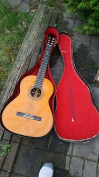 brown classical guitar with case 538 km