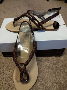 New in box brown sandals 7.5