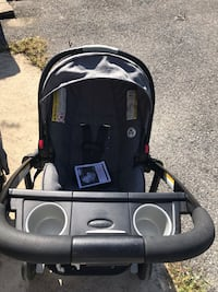 Black and gray car seat carrier Riverdale Park, 20737