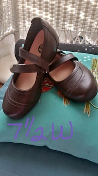 pair of brown leather open toe ankle strap heels Calera, 35040