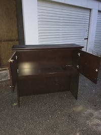 Top cabinet for executive desk. Sits on top of credenza. Holds files, books, etc Morgantown, 26508