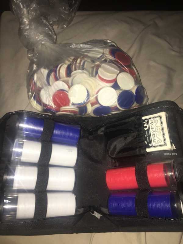 Poker set and chips
