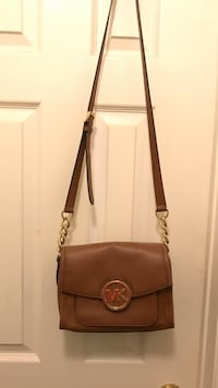 Michael Kors Crossbody Bag - Camel and Gold Mississauga, L5N 8A5
