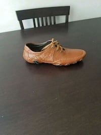 pair of brown leather shoes Edmonton, T5M 3H1