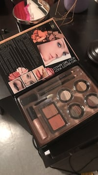 makeup kit with box Brantford, N3S 3A1