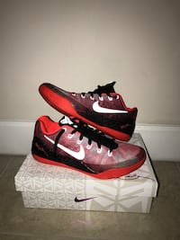 pair of red-and-black Nike basketball shoes Palmetto Bay, 33157