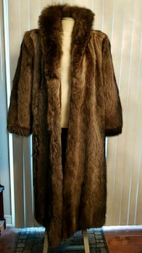 Silver Fox Full Length Coat in MINT CONDITION!