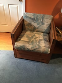 2 chairs, couch, and table. Set Germantown, 20874