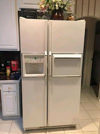 white side-by-side refrigerator with dispenser Grand Prairie, 75052