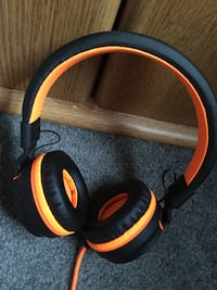Kanen i35 headphones