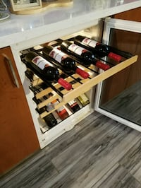 U-Line wine cooler. 25-30 bottles. 6 shelves Miami, 33162