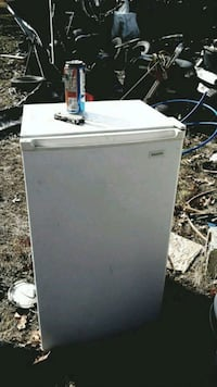 Small refridge Greenville, 24440