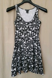 Blaack & white sugar skull Dress (Small) Elkridge, 21075