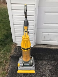 Dyson Yellow DC07 Vacuum Cleaner Great Good Condition, works fine Glenn Dale