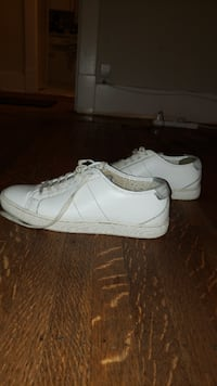 Aldo Stylish White Sneakers - 15$- Vancouver - $20 (Vancouver) Vancouver