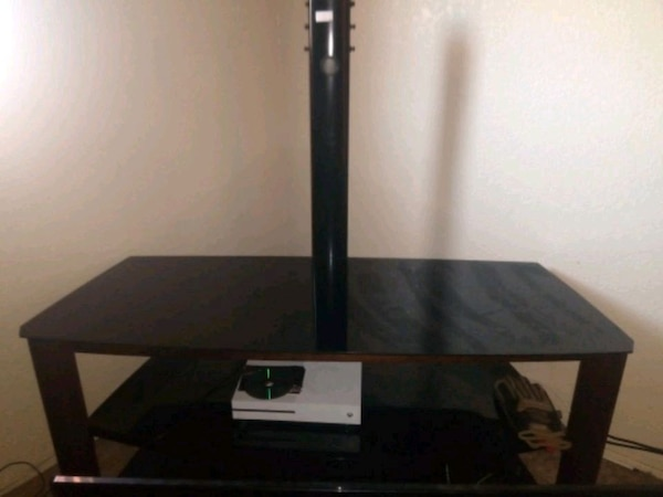 TV stand/mount 0