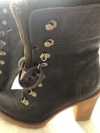 pair of black leather boots Bangor, 04401