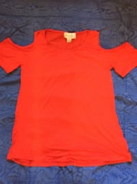 red crew-neck t-shirt 1962 km