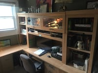 Nice sauder brown wooden computer desk with hutch College Park, 20740