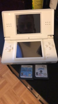 Ds with two games works 10/10 condition  Toronto, M6J 0A9