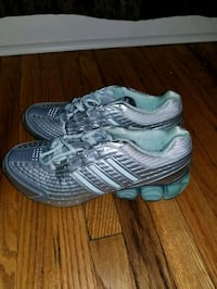 female adidas shoes 6 size Toronto, M9N 1V3