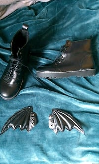 pair of black leather boots St Thomas, N5P 3A8