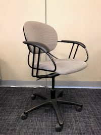 Chair - Boardroom Chair - Height Adjustable - Steelcase Uno Chair Markham