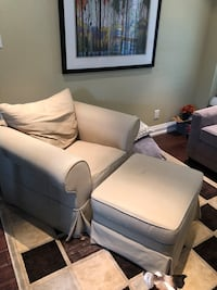 Fabric beige chair and ottoman  Mississauga, L5L 4V9