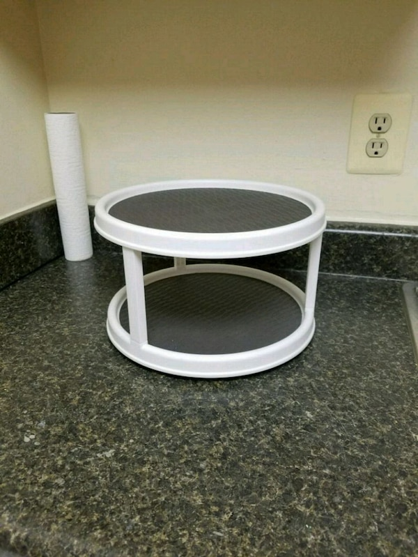 Lazy susan turntable with mats