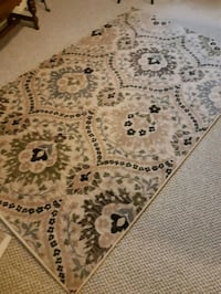 5x8 area rug like new! Mint condition not used as  Welland, L3C 6Y2
