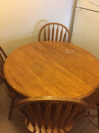 Dinning table  Mississauga, L4Z 3N5