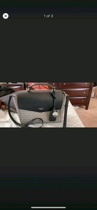 Guess handbag used in good condition  Sterling, 20164