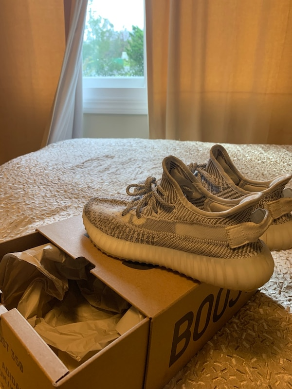 70a8b646d Used Yeezy boost 350 size 5 for sale in San Jose - letgo