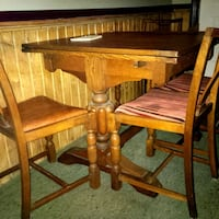 Antique table and chairs Kitchener, N2A 0B7