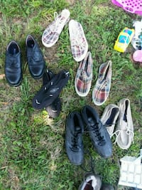 four pairs of assorted shoes Panama City, 32405