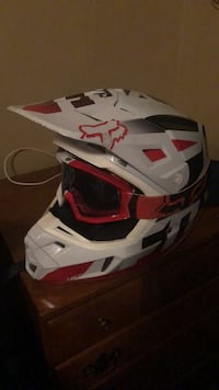 Fox V 2 helmet and matching goggles Shiloh, 44878