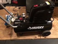 8 Gallon Husky Air Compressor  Manassas, 20109
