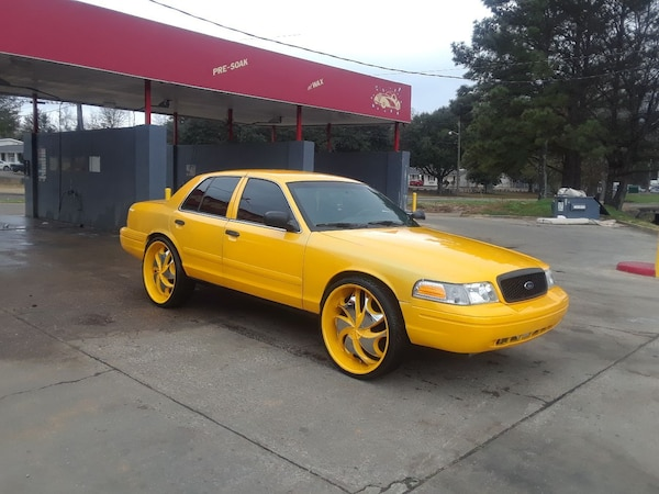 Used Crown Vic P71 On 26s Trade Or Sell For Sale In Montgomery Letgo