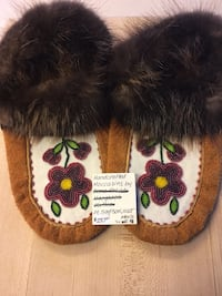 Authentic Moccasins Ladies 9-10