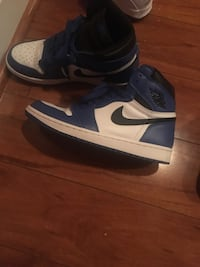 Pair of blue-and-white nike air shoes Gaithersburg, 20878