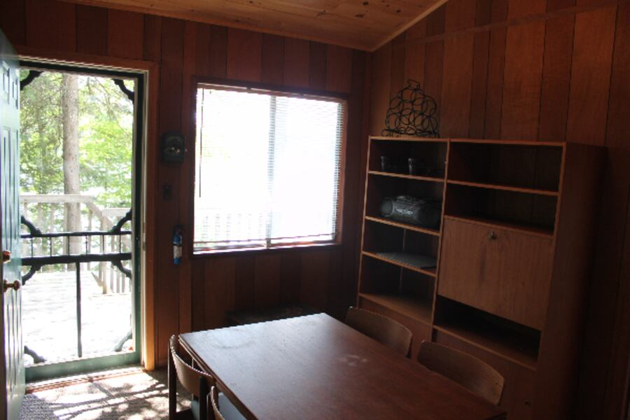 Beautiful 3-bedroom Lake-side Cottage for rent 1794b1c6-6156-422e-8e69-5f352c2c6cff