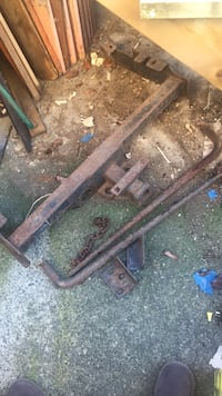 Trailer hitch set with sway bars missing trailer ball section