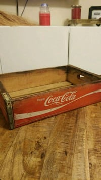 Vintage wood coca cola soda crate box Milwaukee, 53202